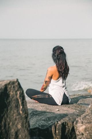 breathing-and-yoga-by-the-sea_480x480